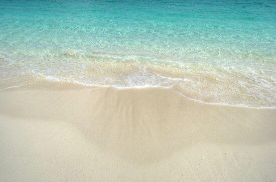 Beach in Paradise island, The Bahamas by 242Digital