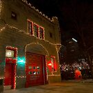 Chicago firehouse with xmas lights by Sven Brogren