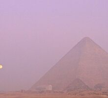 Moon setting over the Pyramids by Citisurfer