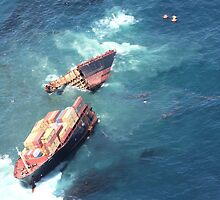Container ship Rena sinking by Richard Moore