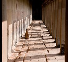 Angkor Wat Corridor by phil decocco