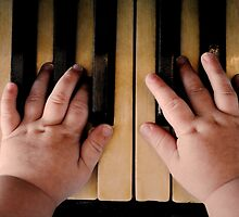 Piano Hands by mattzarb