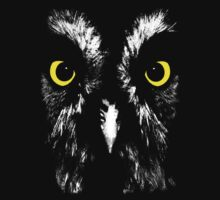 Owl face t-shirt. by Steve Crompton