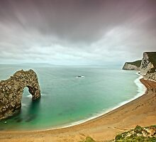 Durdle Door by donnnnnny
