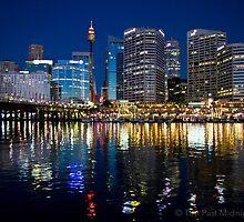Darling Harbour at Night by jbantog