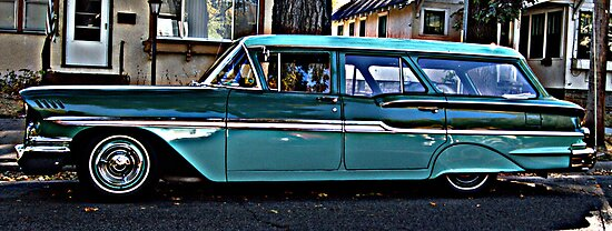 Station Wagon  by discerninglight