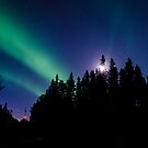 Aurora Moon by peaceofthenorth