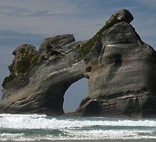 Wharariki Beach by joergilmaz