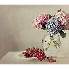 Still life with grapes and hydrangea by Ellen van Deelen