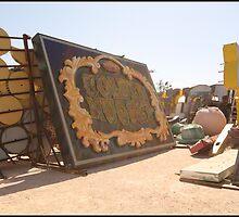 Vintage Vegas Neon Sign - Golden Nugget by FrankieTease
