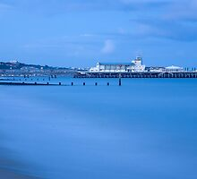 Bournemouth Pier at dusk by Ian Middleton