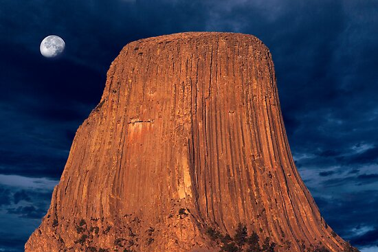 Sunrise over Devils Tower by Alex Preiss