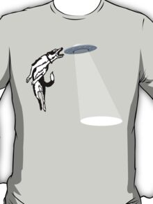 Banksy Style Dog Catching Frisbee (flying saucer) T-Shirt