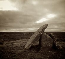 Mulfra Quoit, Cornwall by Barnaby Edwards