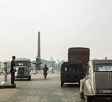 Place de la Concorde 196104190172  by Fred Mitchell