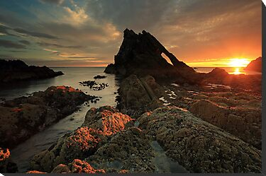 Bow Fiddle Rock Sunrise by Photo Scotland