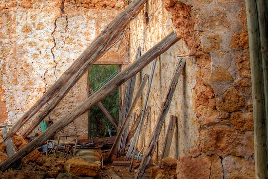Love Amonst The Ruins - Manna House, Mannum, Murraylands by Mark Richards