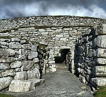 The Broch of Clickimin (2) by Larry Lingard-Davis