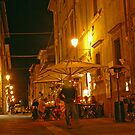 Pietrasanta by night by julie08