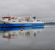 Ferry in Stromness by kalaryder