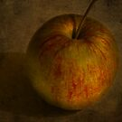 apple by Nicole W.