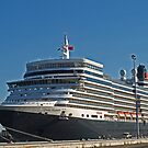 Queen Elizabeth in Fremantle by kalaryder