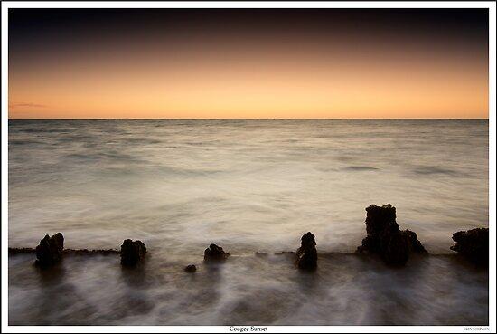 CY O'Connor Beach by Glen  Robinson