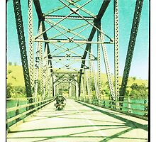 Crossing the Bethanga Bridge by Linda Lees