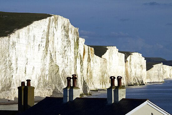 Rooftops & Clifftops by mikebov