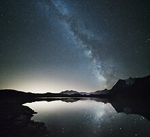 Milky way reflection by Matteo Colombo