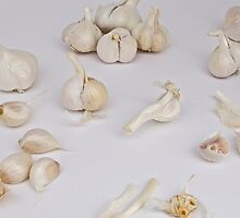 Garlic 2 by Carolyn Clark