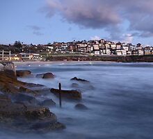 Early Morning Bronte Beach by yolanda