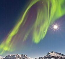 Aurora and full moon by Frank Olsen