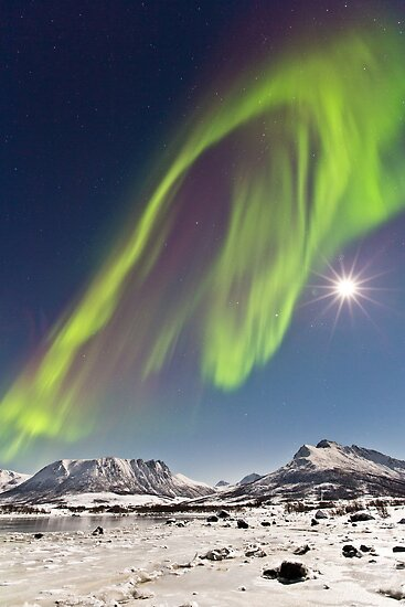Aurora and full moon by Frank Olsen