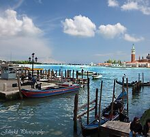 Keep dry feet in Venice by John44