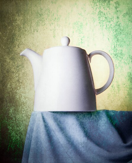 Teapot by Carlos Restrepo