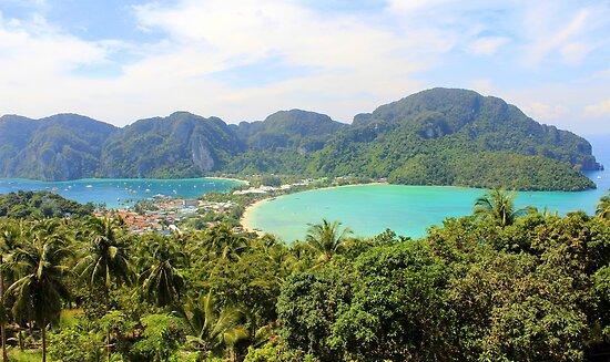 Viewpoint 2 - Ko Phi Phi Don - Thailand by Honor Kyne