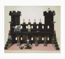 Horror Castle with Vampire, Skeleton and Ghost Minifigs, by 'Customize My Minifig' by Chillee
