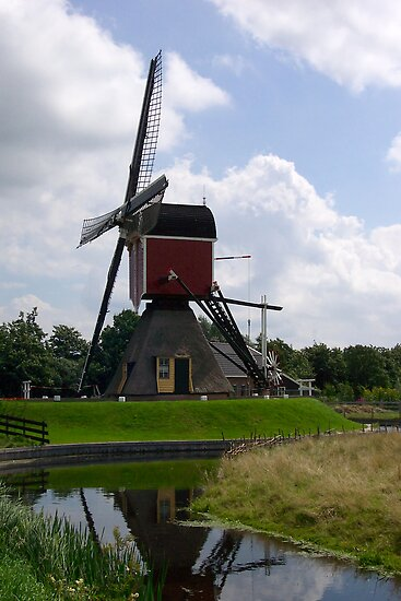 Post mill (Lagenwaardse Molen) by Morag Anderson