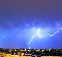 Lightning over the city by nrasic