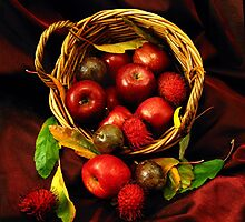 Apple Basket. by Bette Devine