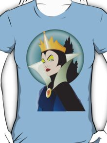 The Evil Queen - By Topher Adam  T-Shirt