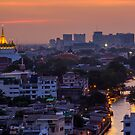 Golden Temple Bangkok by arthit somsakul