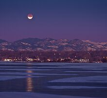 Lunar Eclipse by Armando Martinez