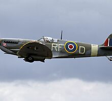 Supermarine Spitfire Vb AB910/RF-D G-AISU by Andrew Harker