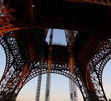 How to appreciate the Eiffel Tower? by annietime