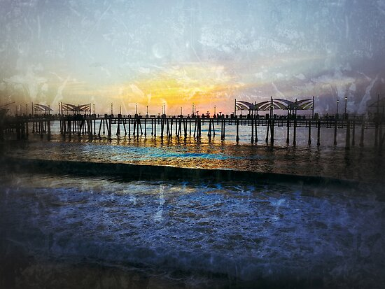 Sunset over Redondo Beach Pier by jjbentley