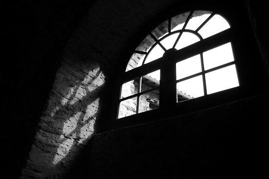 Arles Light by ragman