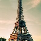 Eiffel Tower by gleviosa