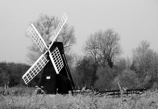 Wicken Windmill by lisa1970